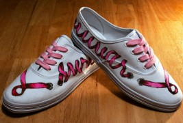 Carl Medley III customized sneakers - thumbnail_7