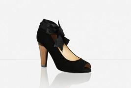 The Little Black Shoe - thumbnail_3