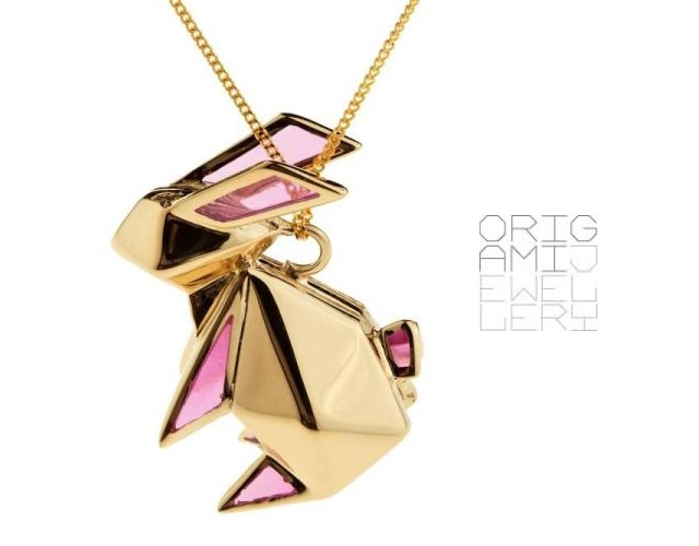 Collana coniglio origami | Image courtesy of Origami Jewellery