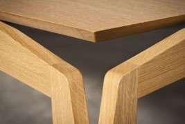 Stellar table - thumbnail_1