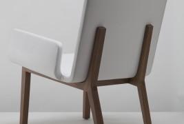 Enfold lounge chair - thumbnail_1