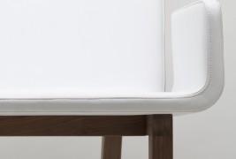 Enfold lounge chair - thumbnail_2