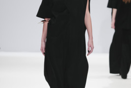 Yifang Wan fall/winter 2013 - thumbnail_2