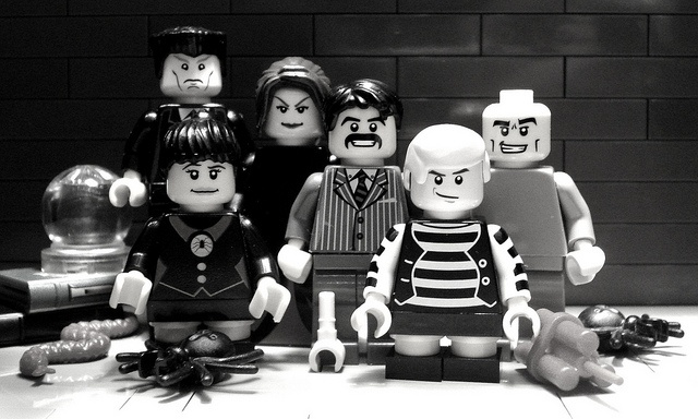 100 custom LEGO minifigs - Photo 14