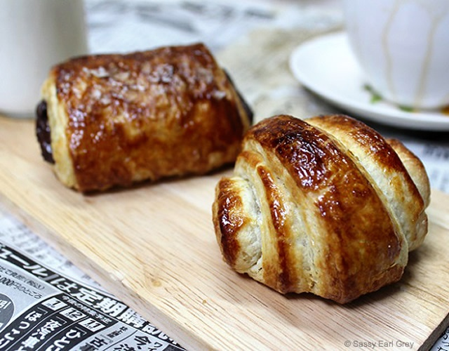 Croissants and pain au chocolat | Image courtesy of Sassy Earl Grey