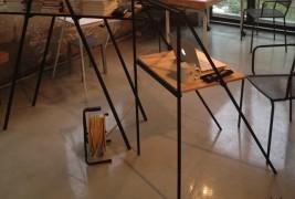 A desk - thumbnail_1