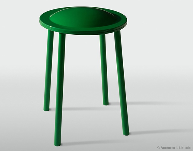 UFO stool by Annamaria Litterio