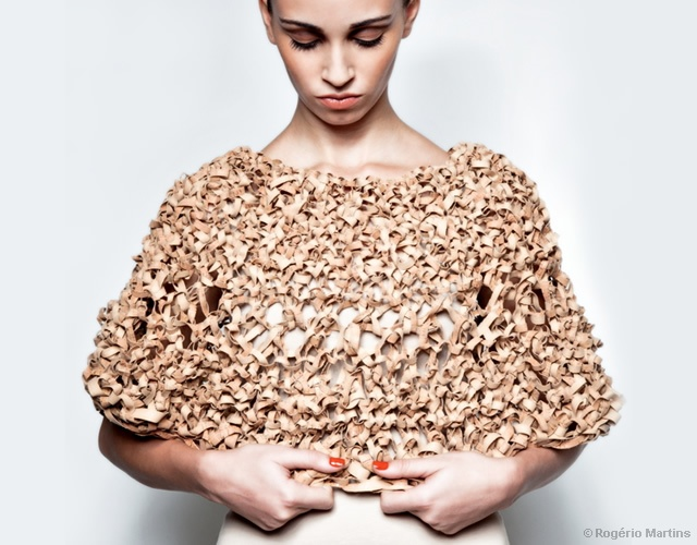 Knitted cork accessories | Image courtesy of Rogério Martins