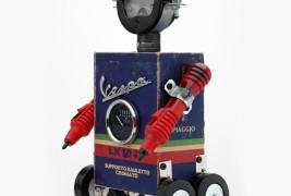 Robot sculptures - thumbnail_1