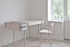 Private desk - thumbnail_2