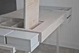 Private desk - thumbnail_7