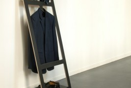 Suitable valet stand - thumbnail_1