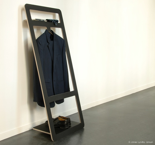 Suitable valet stand | Image courtesy of Jonas Lyndby Jensen