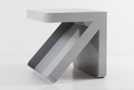 Arrow side table - thumbnail_2