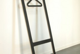 Suitable valet stand - thumbnail_2